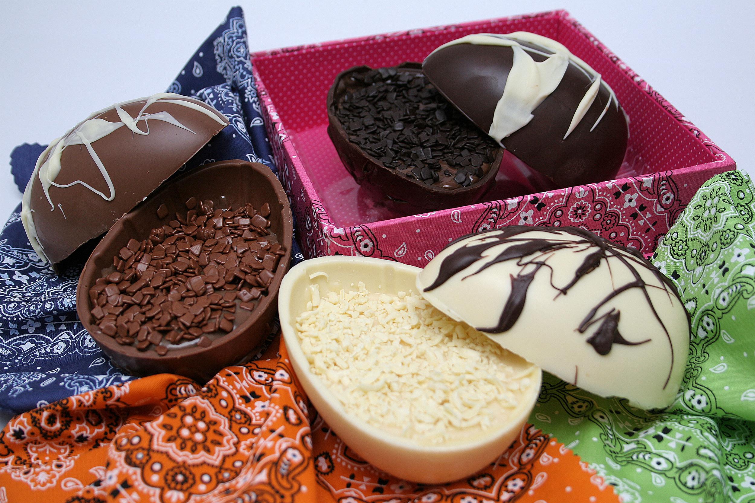 2 – Brigaderia: Ovo (R$ 70) com 150 g de brigadeiro de colher de um lado e  200 g de chocolates belga e francês do outro. (Shoppings Paulista,  Higienópolis e ...